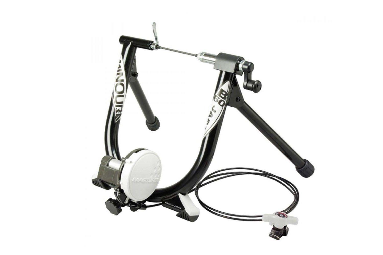 Велостанок Minoura B60-R с магнитным сопротивлением и дистанционным управлением.
