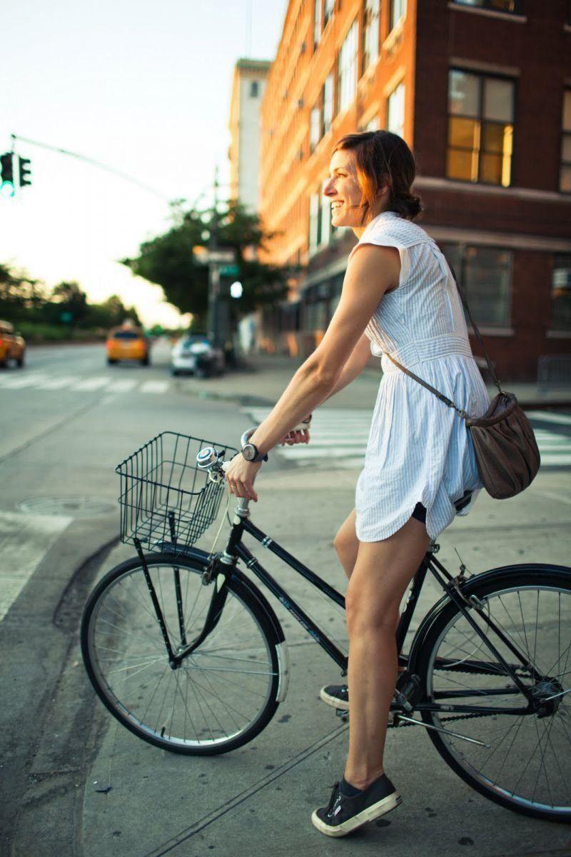 Катаясь на велосипеде